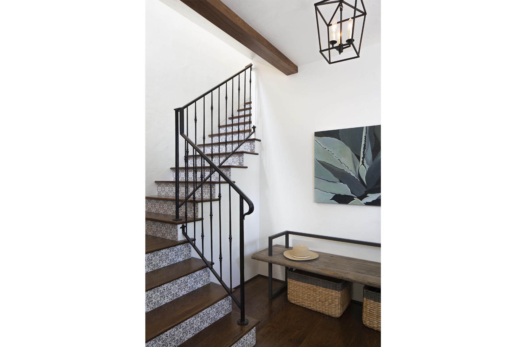 Bird staircase